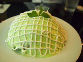 銀座「喫茶ブリッヂ」のパンケーキがどう見てもメロンパン!