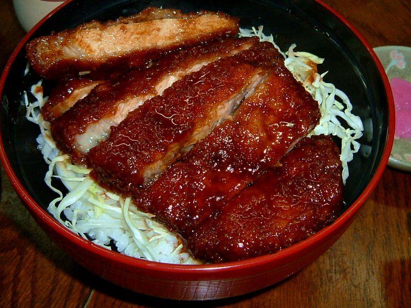 会津若松の代表的なご当地B級グルメ「会津ソースカツ丼」