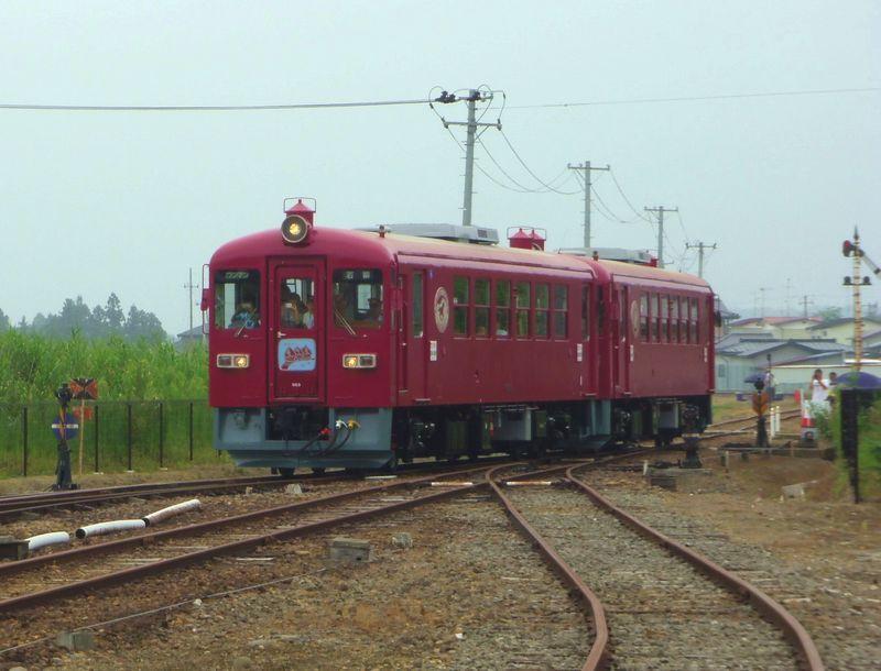 田園が広がる車窓〜ローカル列車に体験乗車