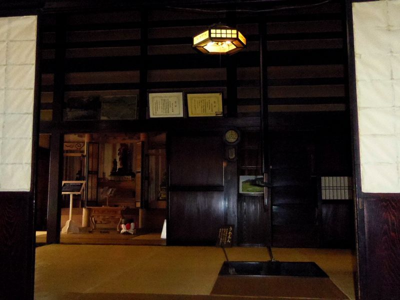 曲家資料館で茅葺き屋根曲家の暮らしを覗いてみよう