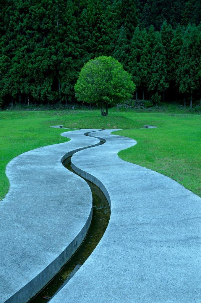 天の作品「室生山上公園芸術の森」