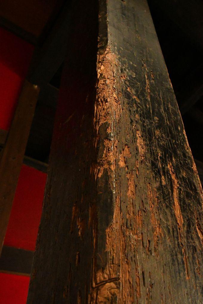 刃傷(にんじょう)の柱