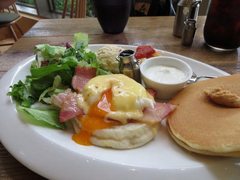 六本木ヒルズで優雅な朝食!エッグベネディクトはランチでも楽しめる!
