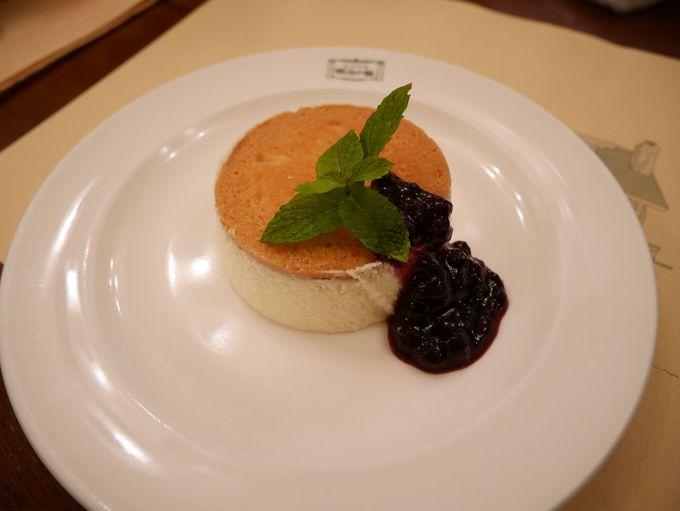 明治の館の代名詞チーズケーキ「ニルバーナ」