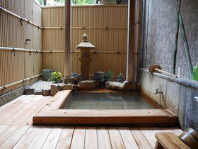 いつでも入れる貸切露天に部屋食!箱根「山越旅館」は子連れにも最適
