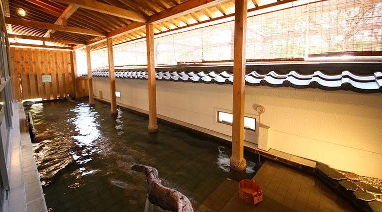 「大江戸温泉物語 石和温泉 ホテル新光」豪華バイキングと美肌の湯!