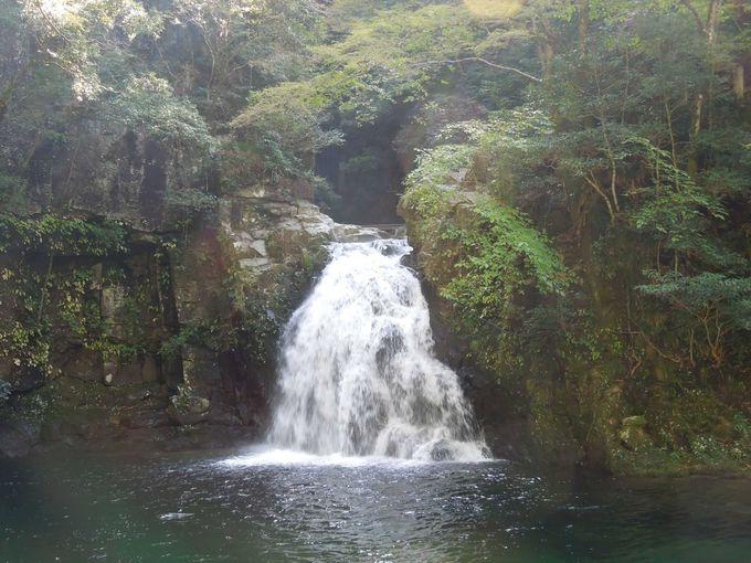 千手滝は、渓谷ならではの美しさ