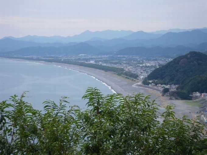 浜街道の向こうに憧れの熊野権現を思う