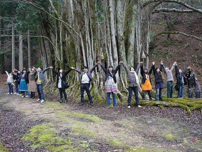 糸井渓谷で樹齢2000年の糸井の大カツラに出会う