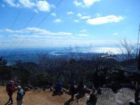 銀世界の神戸・六甲山で耐寒トレーニング、冷たい空気に身も心も引き締まります!