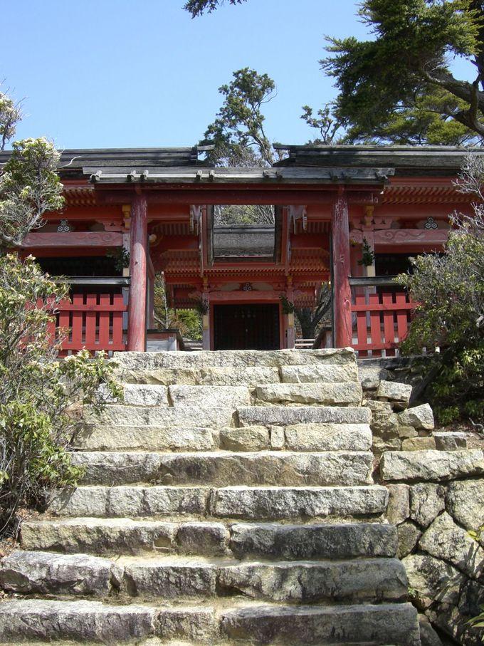 静かにたたずむ奥の院『御山(みやま)神社』
