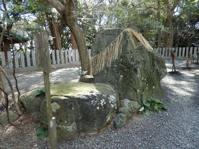 絶景を見下ろす『保久良神社』