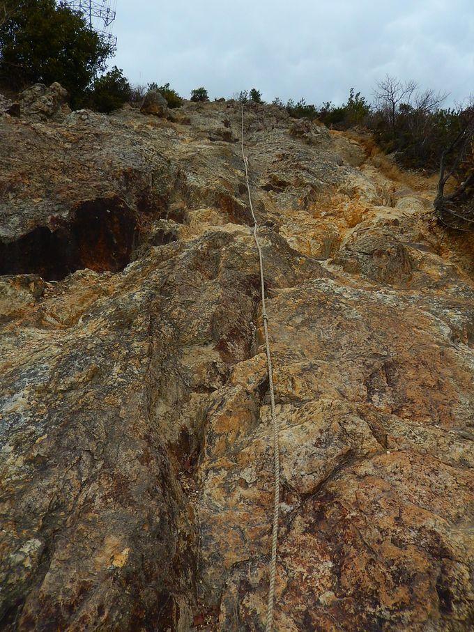 高低差100メートルの大岩!最大の難所