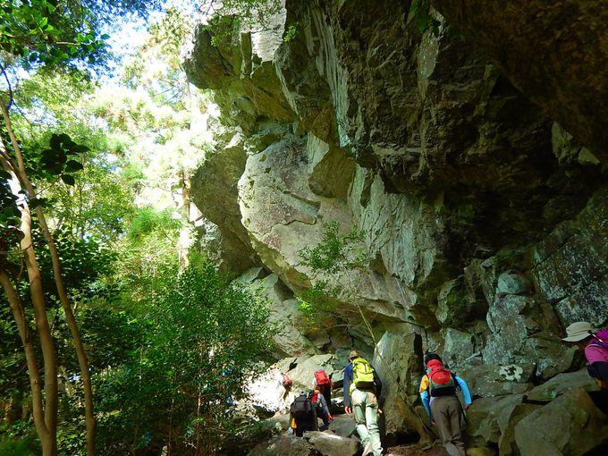 岩場を楽しみながら山頂へ
