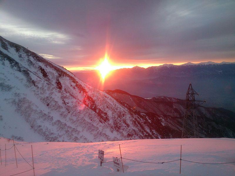 目の前に広がる絶景雪山・ホテル千畳敷で過ごす冬のお楽しみ
