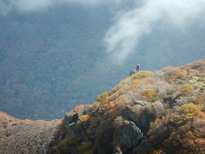 三俣山から広がる大紅葉を満喫