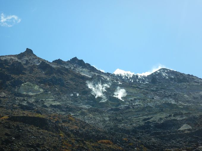 地球の息吹あふれる荒々しい火山地帯
