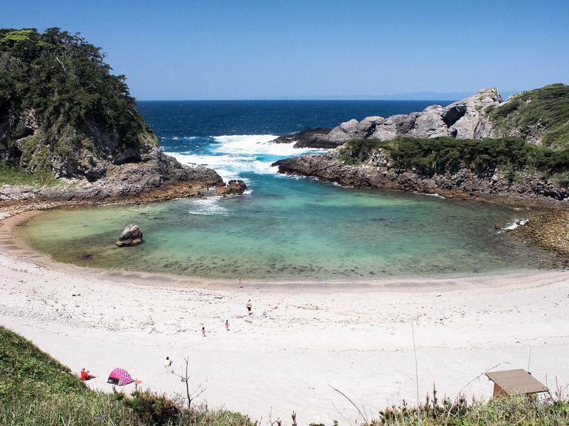 新島と式根島のおすすめ観光スポット9選 温泉と海の絶景で癒やしの旅