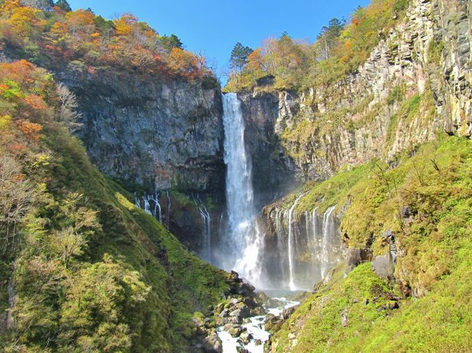 高さ100mから落下!大迫力の日本三名瀑「華厳の滝」(栃木)