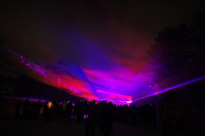その1 同じオーロラは2度と生み出せない光と煙の芸術