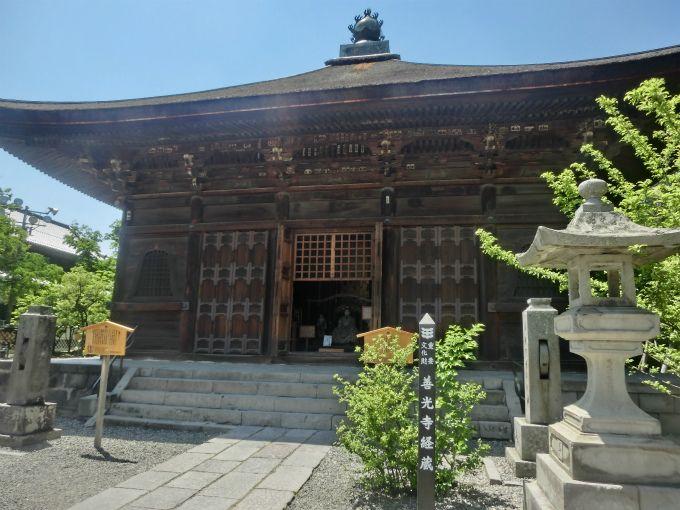 誰でも仏教を身近に感じられる「輪蔵」と「輪廻塔」