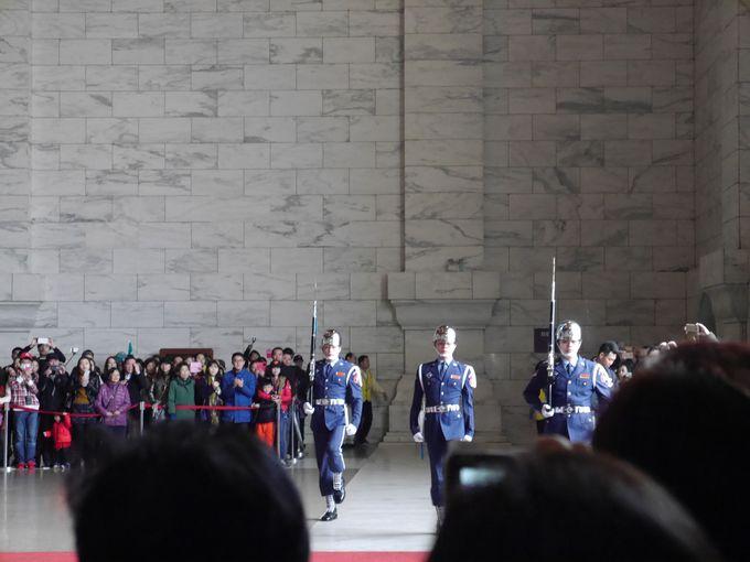 まずは王道の観光地『中正記念堂』へ