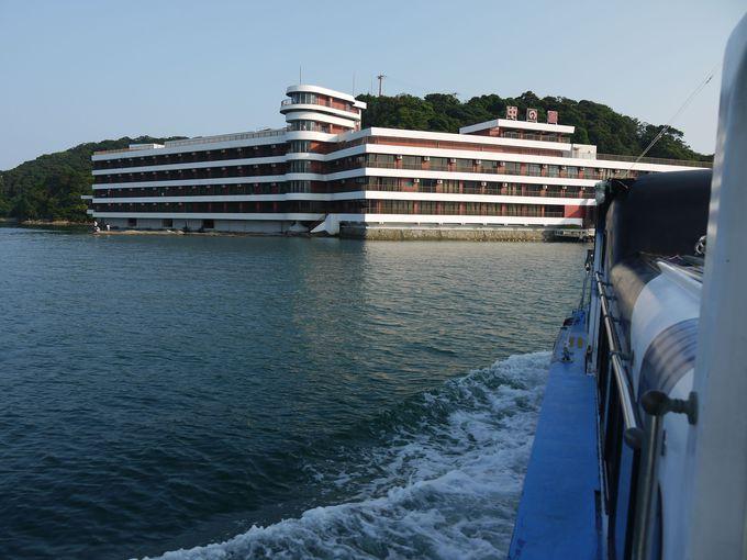 船にのってホテルへ!この非日常的な雰囲気が旅心を盛り上げる