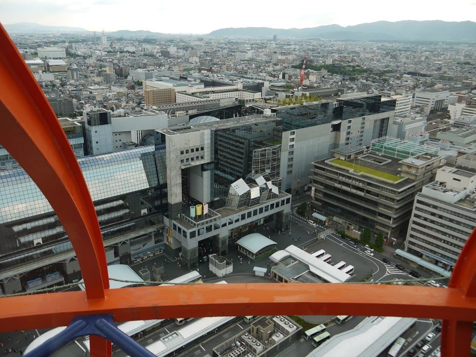 その1.京都駅ビルを散策&京都タワーからも全体を見る