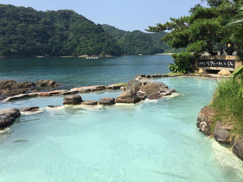 船で絶景露天風呂へ!南紀勝浦温泉・孤島の宿「ホテル中の島」