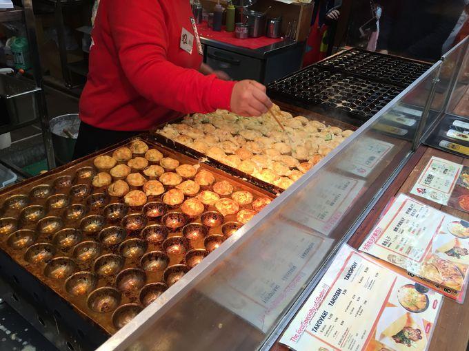 ここは大阪で人気のたこ焼き屋さん