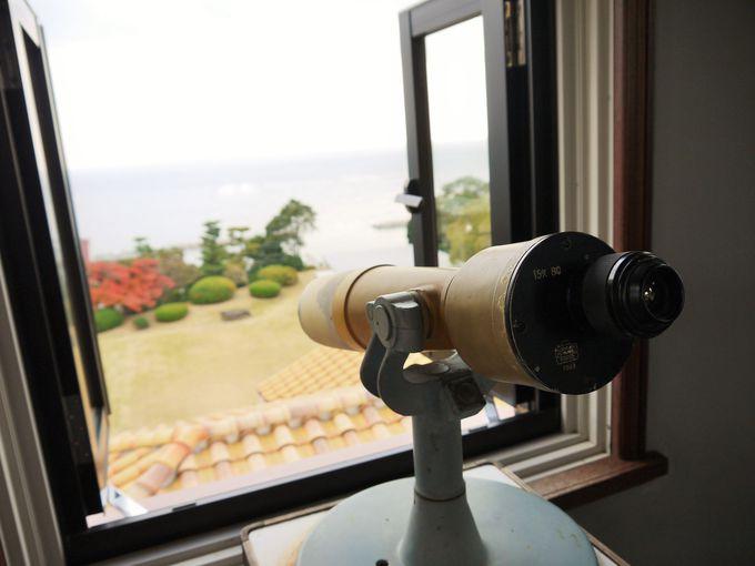 360度のパノラマの展望台と足元の泰山タイル