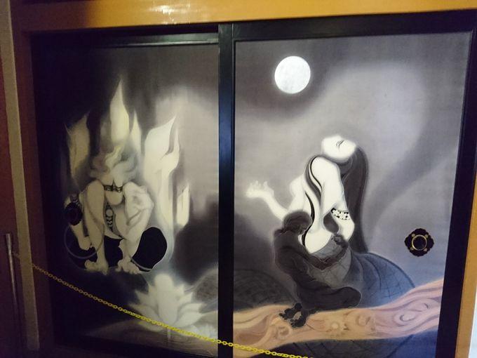 必見!幻想的な本尊を取り囲む障壁画と襖絵