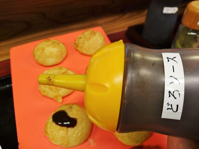 明石焼きは出汁だけではなく、ソースや塩も!