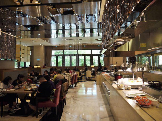 ビュッフェレストラン「festiva」で豪華な朝食