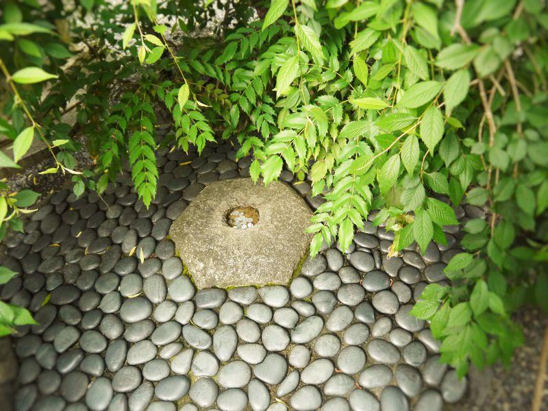 京都の中心「へそ石」と恋愛のパワースポット