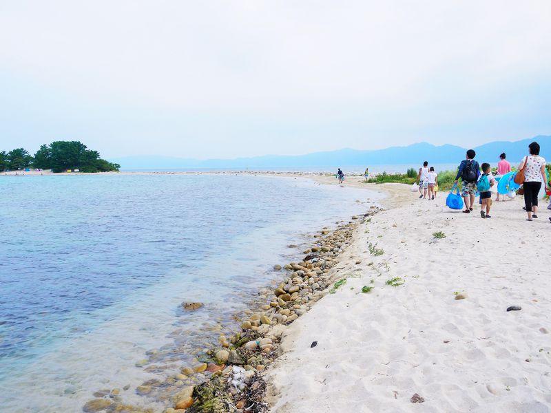 混雑必至の福井県水島へ!船乗り場前「味一旅館」への宿泊が便利