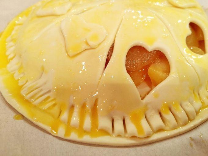 収穫したリンゴでアップルパイ作り