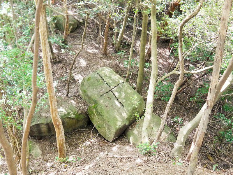 岐阜の山中に謎の十字架?明智光秀の妻の里と伝わる妻木城跡へ