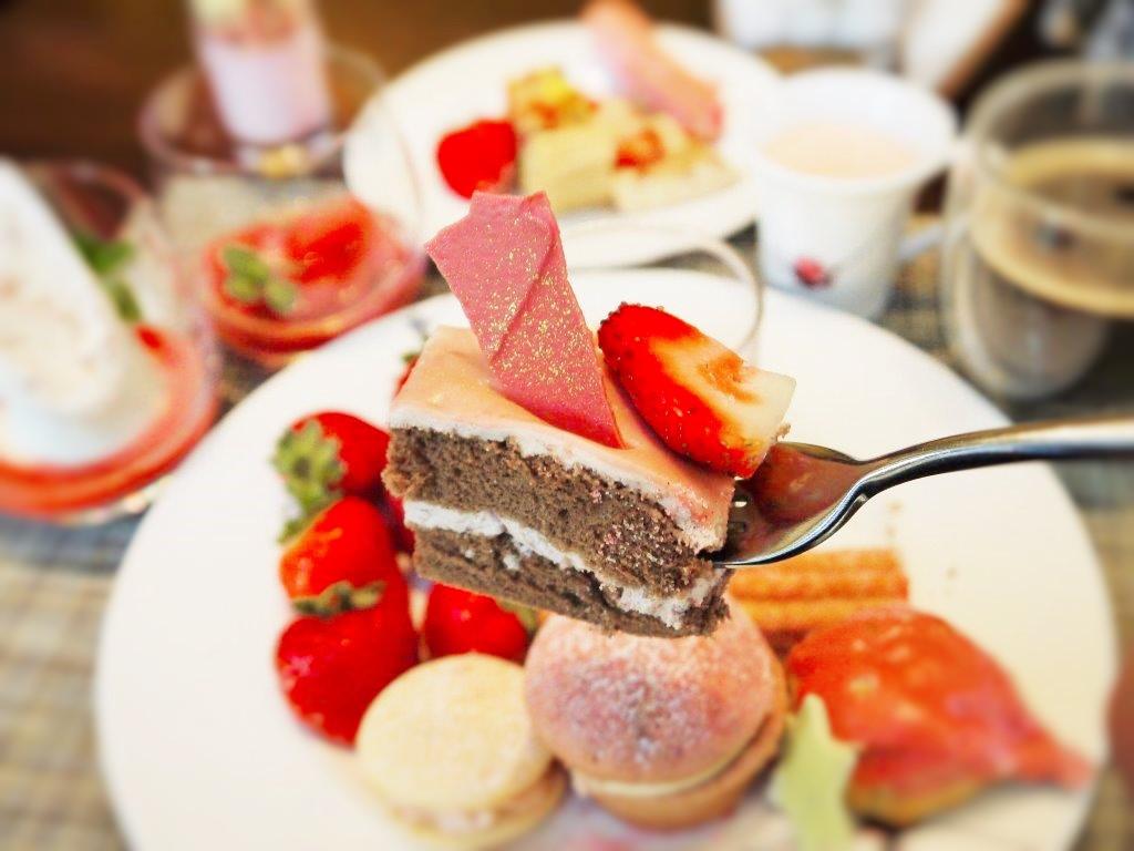 毎年予約殺到!インターコンチネンタルホテル大阪のイチゴ祭
