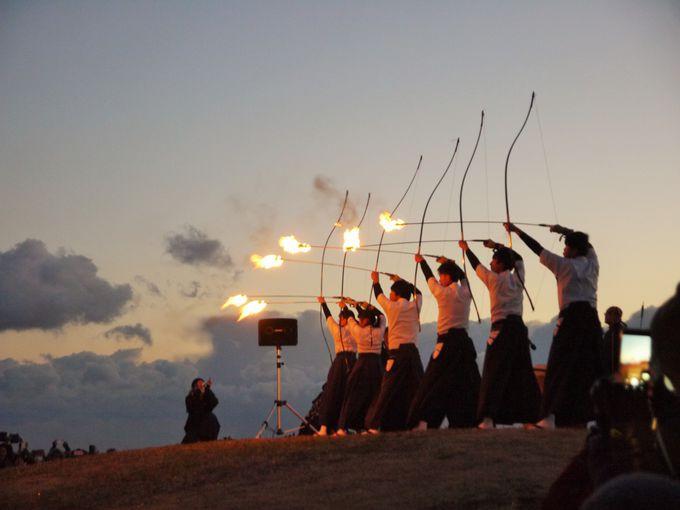 地元の高校生が火矢で点火する!本州最南端の火祭り