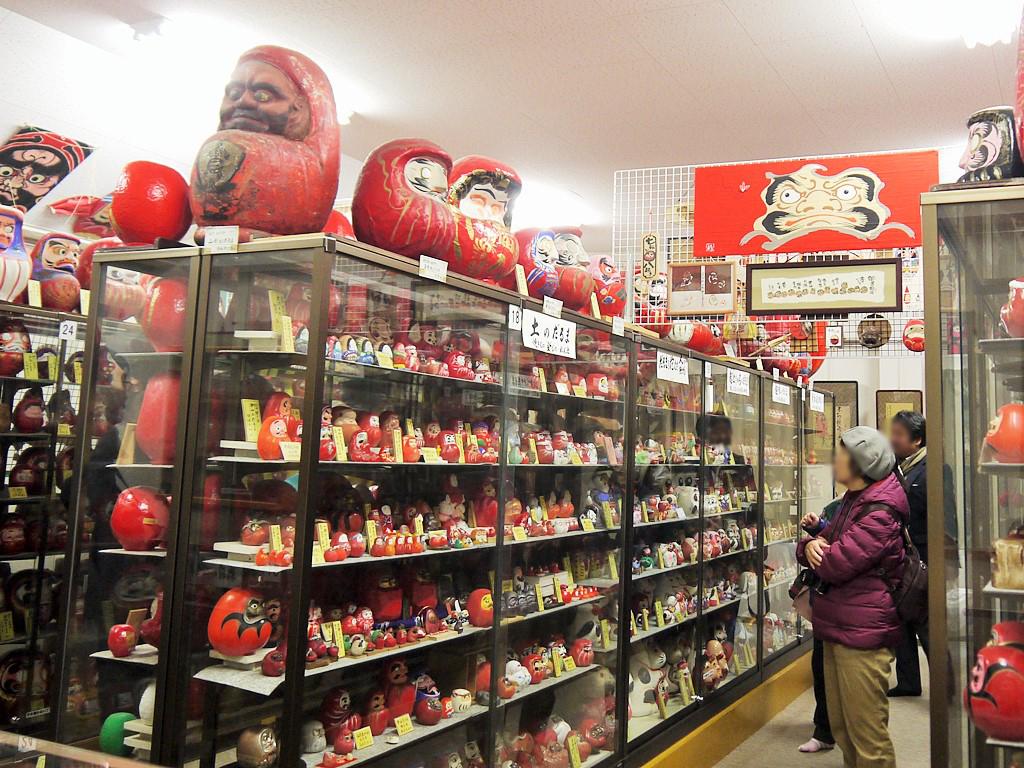 ダルマだらけ!日本最大規模のダルマの展示館