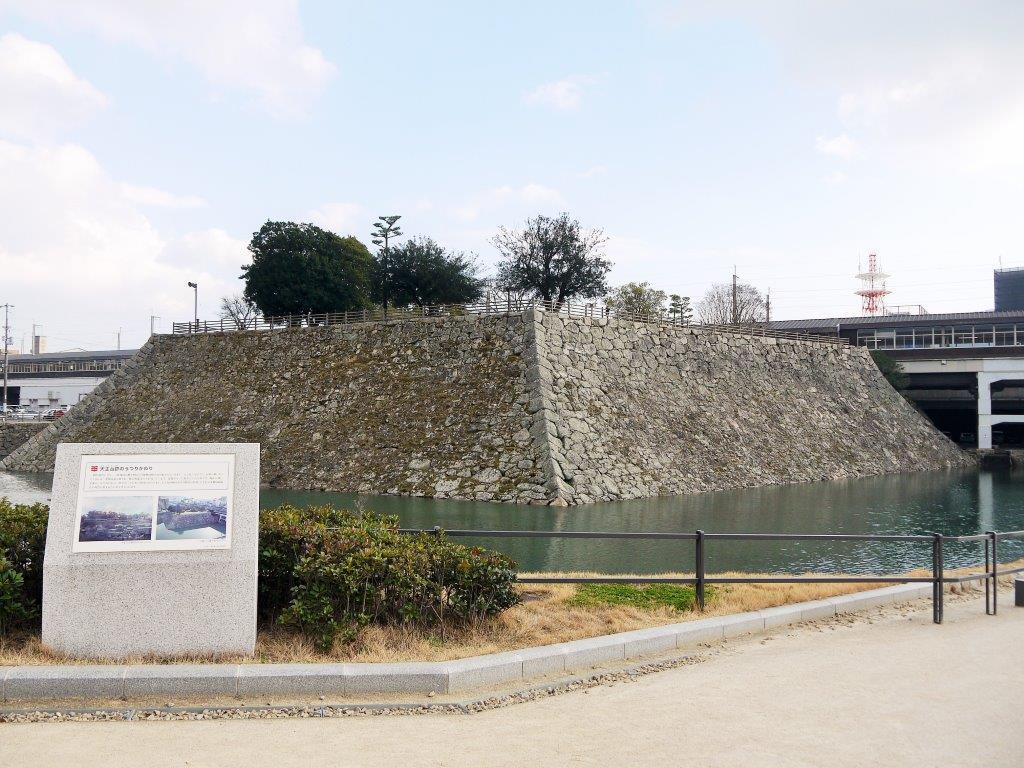 広島県三原市はダルマとタコ、そして三原城跡が見所