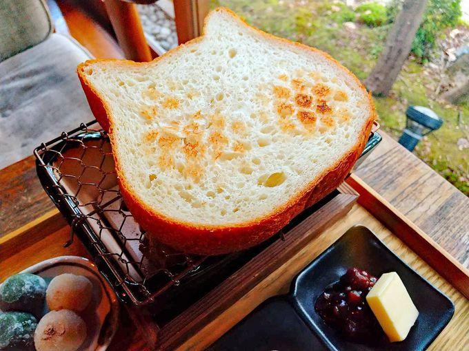 可愛くてユニーク!七輪で焼いくイクスカフェの朝ごはん