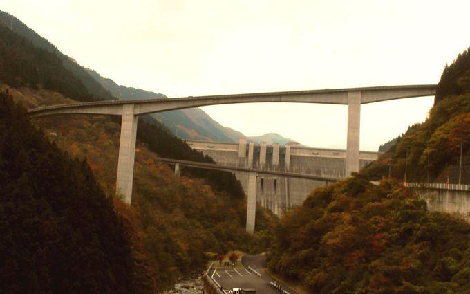 巨大建築ループ橋(雷電廿六木橋)の巨大さに圧倒される