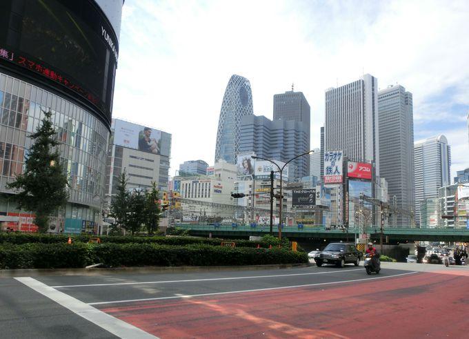 ポスターなどにも登場した歌舞伎町交差点