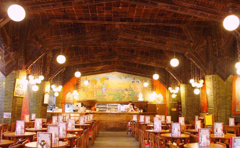 まるで教会のよう!現存する日本最古のビヤホール「ビヤホールライオン 銀座七丁目店」