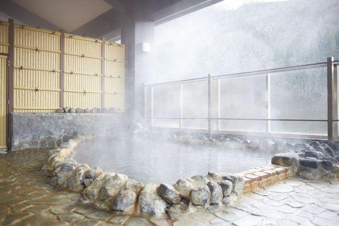 「マタギ資料館」は打当温泉マタギの湯に併設