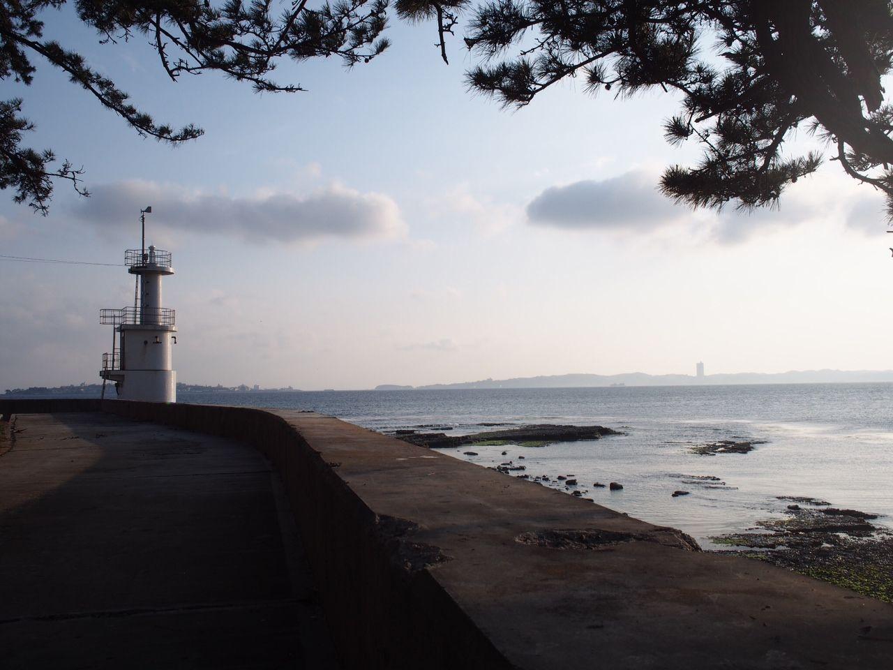 島の最西端「波ヶ崎灯台」