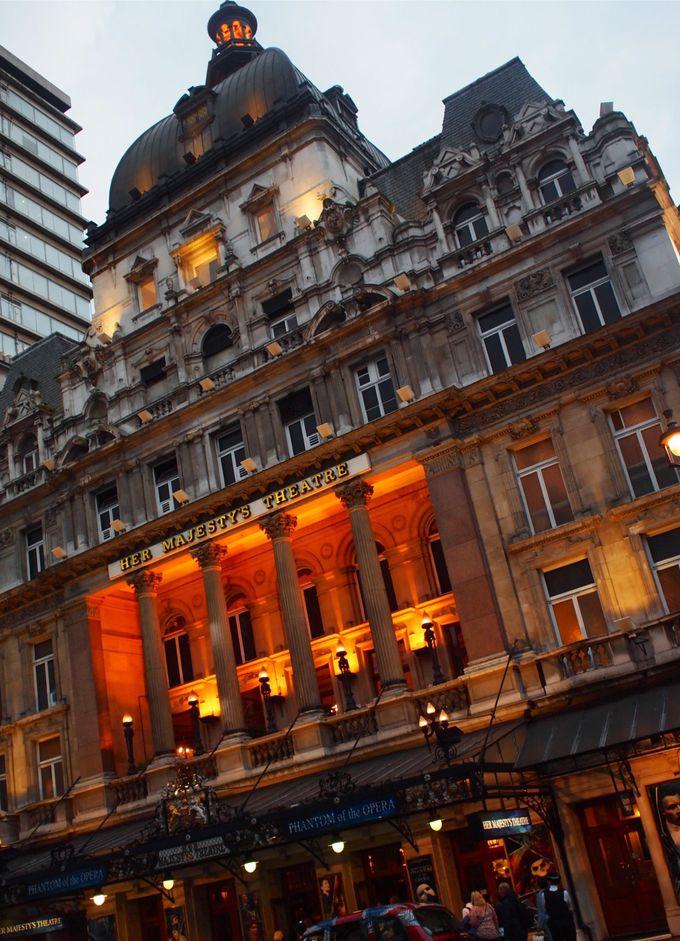 歴史ある「ハー・マジェスティーズ・シアター(Her Majesty's Theatre)」