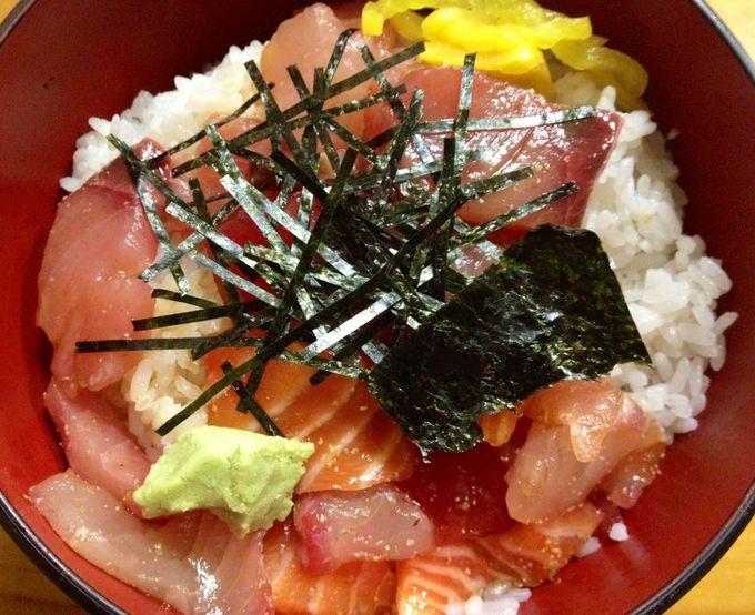 これが博多のおススメ安ウマ店の海鮮丼!